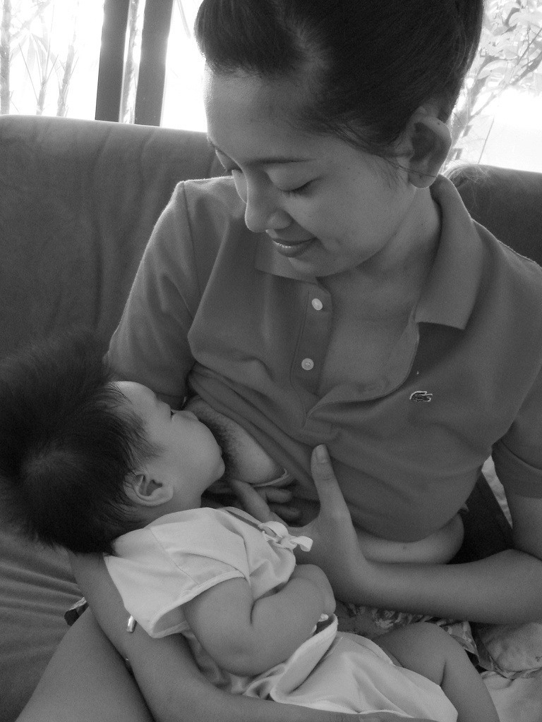 Top 6 Breastfeeding Tips for Nursing Mothers